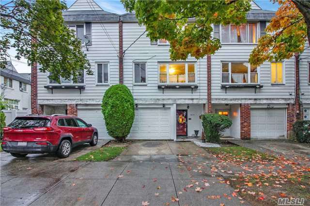 149-41 258th St, Rosedale, NY 11422