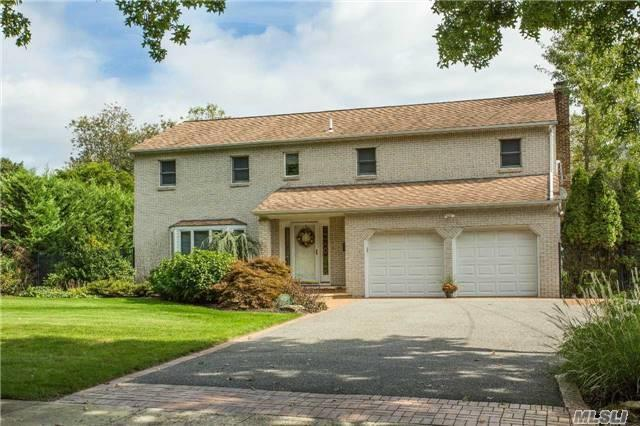 63 Townsend Dr, Syosset, NY 11791