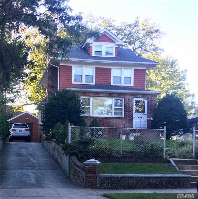 87-02 256th St, Floral Park, NY 11001