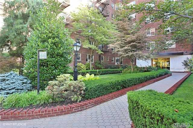 68-61 Yellowstone Blvd #501, Forest Hills, NY 11375