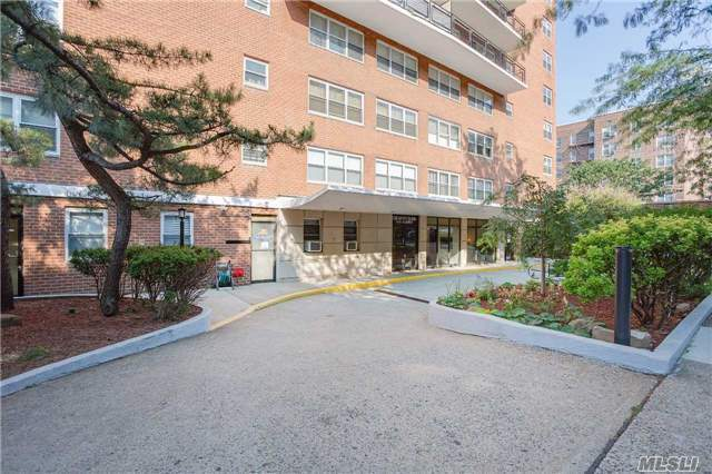 72-35 112th St #7d, Forest Hills, NY 11375