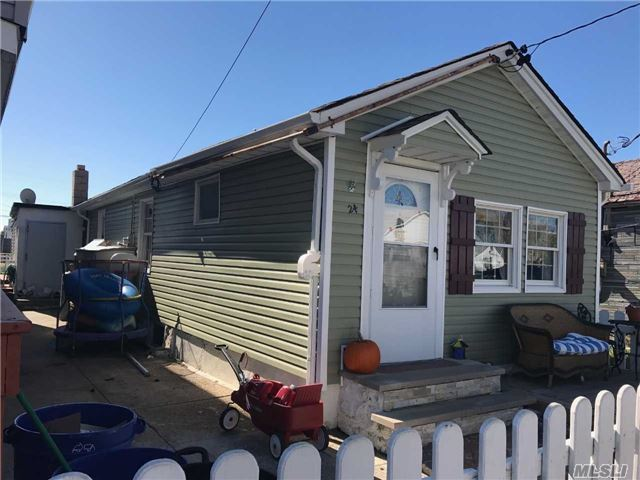24 W 16th Rd, Broad Channel, NY 11693