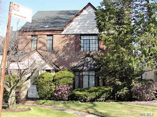 108-17 66th Rd, Forest Hills, NY 11375