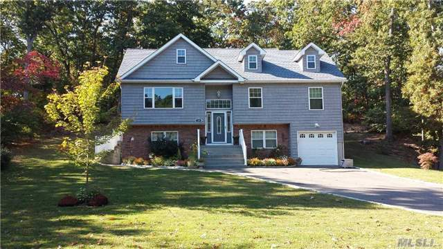153 Town Line Rd, E Northport, NY 11731