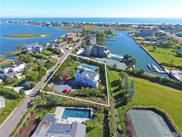 121 Seafield Pt, Westhampton Bch, NY 11978