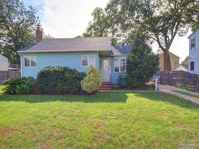 480 Old Farmingdale Rd, W Babylon, NY 11704