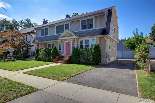 14 Hinsdale Ave, Floral Park, NY 11001