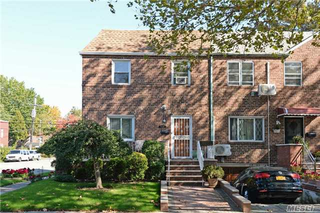 58-01 Clearview Expy, Oakland Gardens, NY 11364