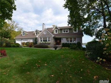 24 Sea Spray Dr, Centerport, NY 11721