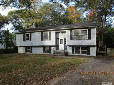 20 Pine Cone St, Middle Island, NY 11953