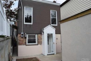 83-33 60 Dr, Middle Village, NY 11379