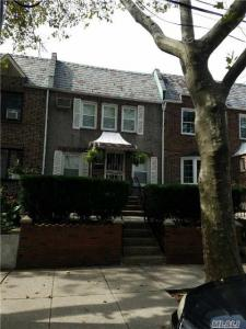 64-08 79th St, Middle Village, NY 11379