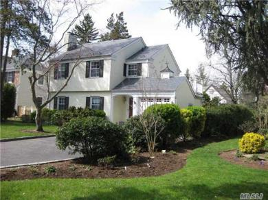 21 Rugby Rd, Manhasset, NY 11030