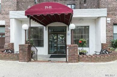 71-11 Yellowstone Blvd #4m, Forest Hills, NY 11375