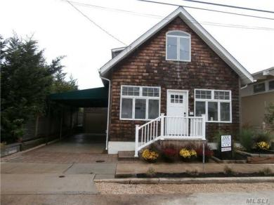 86 Bellmore Ave, Point Lookout, NY 11569