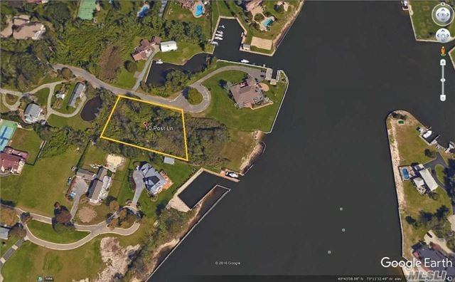 10 Post Ln, Bay Shore, NY 11706
