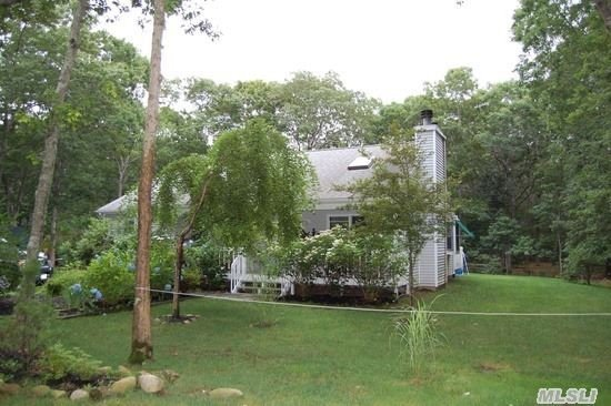 29 15th St, East Hampton, NY 11937