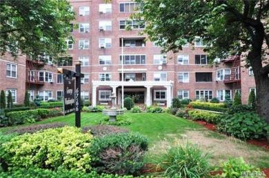 67-66 108 St #D44, Forest Hills, NY 11375