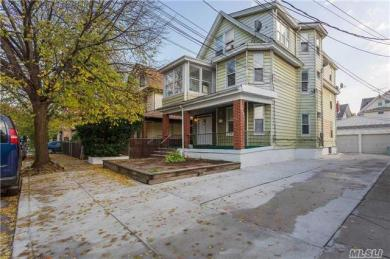 94-32 85th Ave, Woodhaven, NY 11421