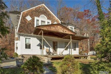 325 Main St, Cold Spring Hrbr, NY 11724