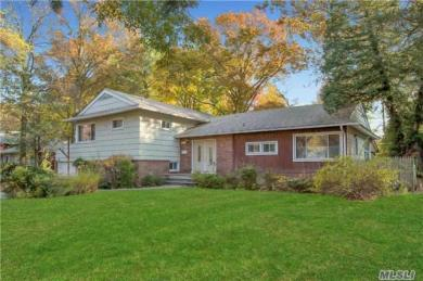 22 Olive St, Great Neck, NY 11020