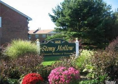 460 Old Town Rd, Pt Jefferson Sta, NY 11776