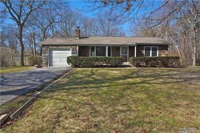 57 Rogers Ave, Westhampton Bch, NY 11978