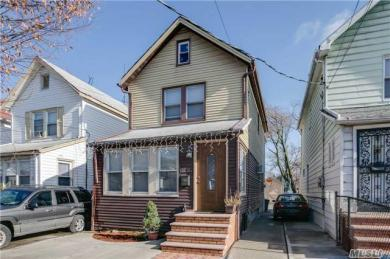 102-11 216th St, Queens Village, NY 11429