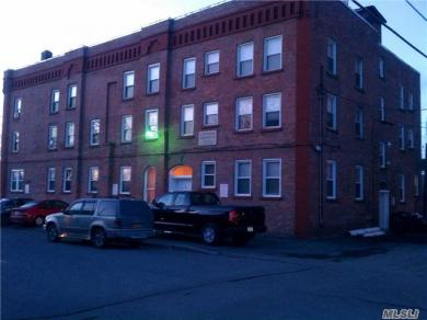 3 115 St, Out Of Area Town, NY 12182