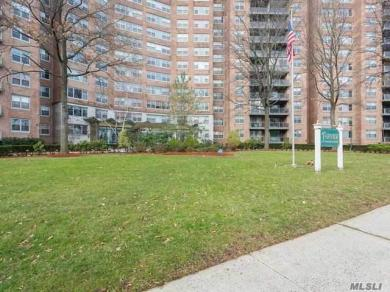 61-20 Grand Central Pky #B101, Forest Hills, NY 11375