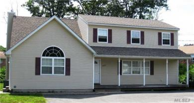 480 Old Town Rd, Pt Jefferson Sta, NY 11776