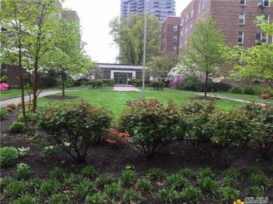 112-20 72nd Dr #A63, Forest Hills, NY 11375