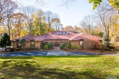 8 The Hollows W., Muttontown, NY 11732