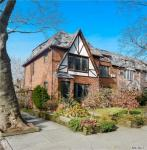 96-01 68th Ave, Forest Hills, NY 11375