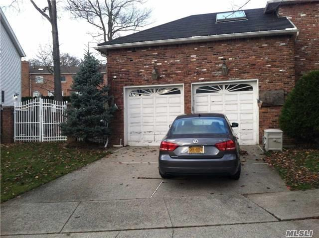 380 Holton Ave, Out Of Area Town, NY 10309