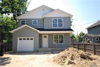Photo of 70 River Ave, Patchogue, NY 11772