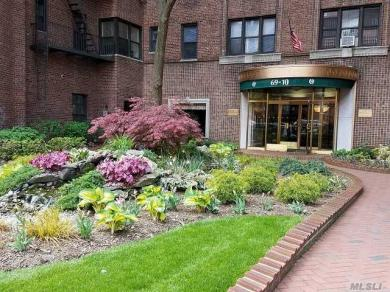69-10 Yellowstone Blvd #512, Forest Hills, NY 11375