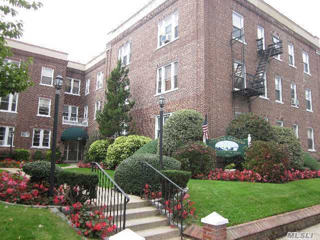 185 Atlantic Ave #C-4, Lynbrook, NY 11563