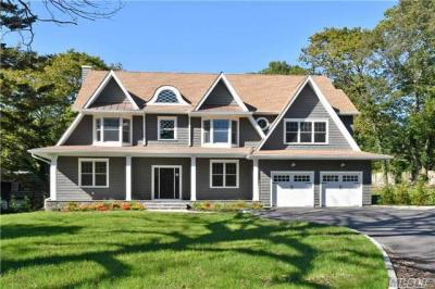 Photo of 433 Wolf Hill Rd, Dix Hills, NY 11746