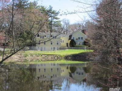 Photo of 43 Berry Hill Rd, Oyster Bay Cove, NY 11771