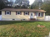 259 Nicolls Rd, Wheatley Heights, NY 11798