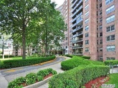 61-20 Grand Central Pky #A 806, Forest Hills, NY 11375