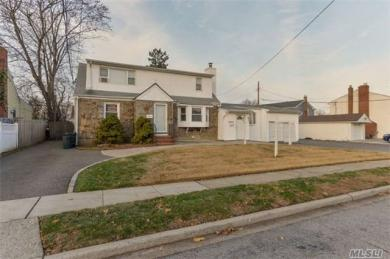 2503 2nd Ave, East Meadow, NY 11554