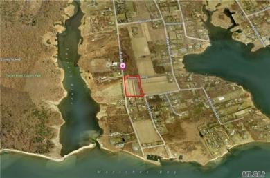 Bay Ave, East Moriches, NY 11940