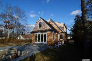 29 Rogers Ave, Westhampton Bch, NY 11978
