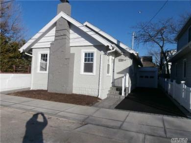 90 Hewlett Ave, Point Lookout, NY 11569