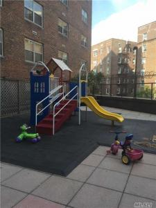70-20 108th St, Forest Hills, NY 11375
