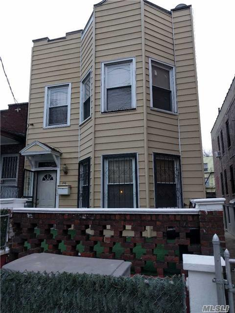 830 E 227 St, Out Of Area Town, NY 10466