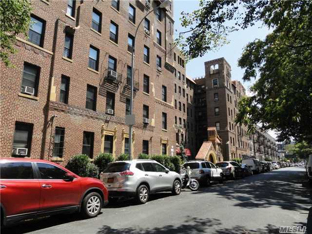 37-21 80th Street #3d, Jackson Heights, NY 11372