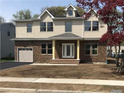 Photo of 562 Dover Rd, Oceanside, NY 11572